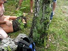 Оргия русских подростков на природе в лесу