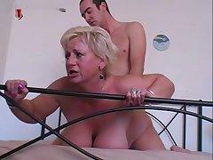 Старая женщина струйный оргазм