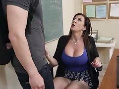 Фильм порно учительница любит рачком