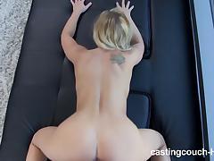 порно смотря в камеру