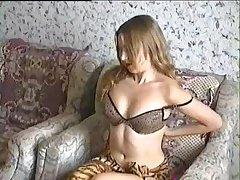 В домашней обстановке россиянке захотелось наслаждения