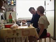 любительское групповое порно в русской малосемейке